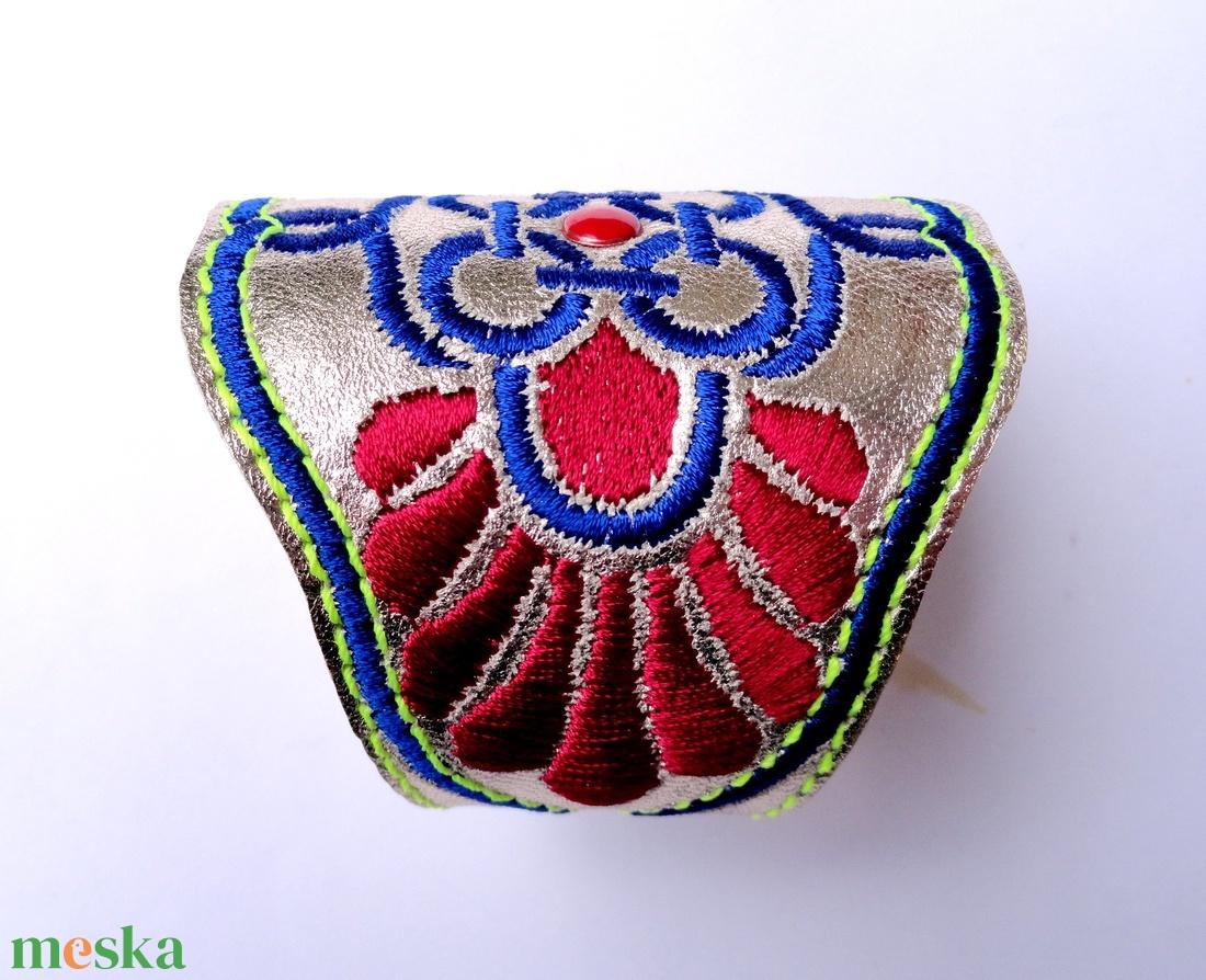 'Fonódások' karkötő - ékszer - karkötő - széles karkötő - Meska.hu