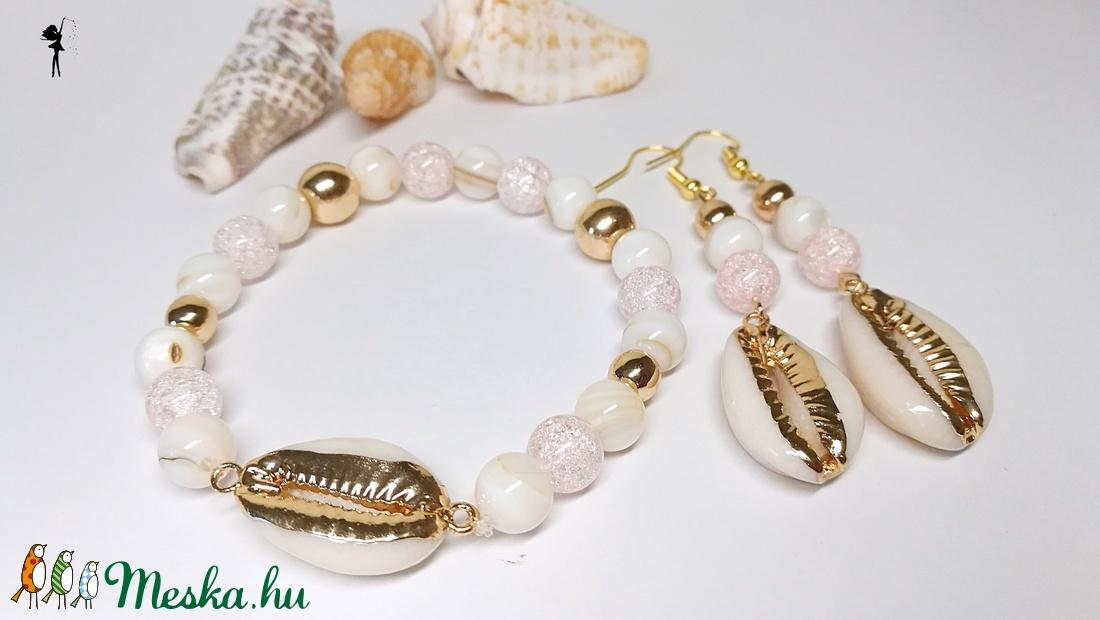Arany kagylós ásványszett kagylógyöngyökből, roppantott gyöngyökből arany hematittal - ékszer - ékszerszett - Meska.hu