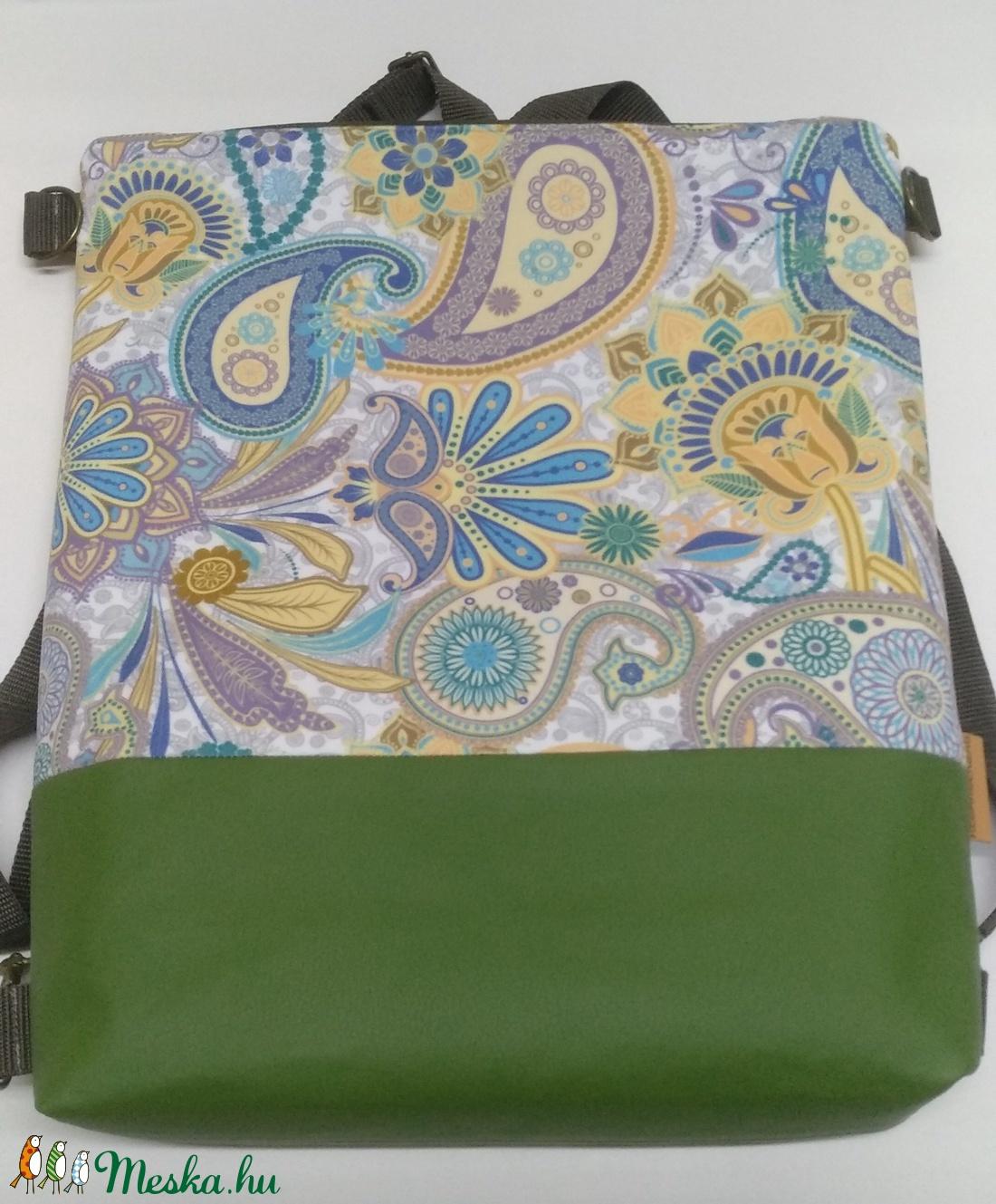 Zöld textilbőrrel díszitett virágos kétfunkciós táska