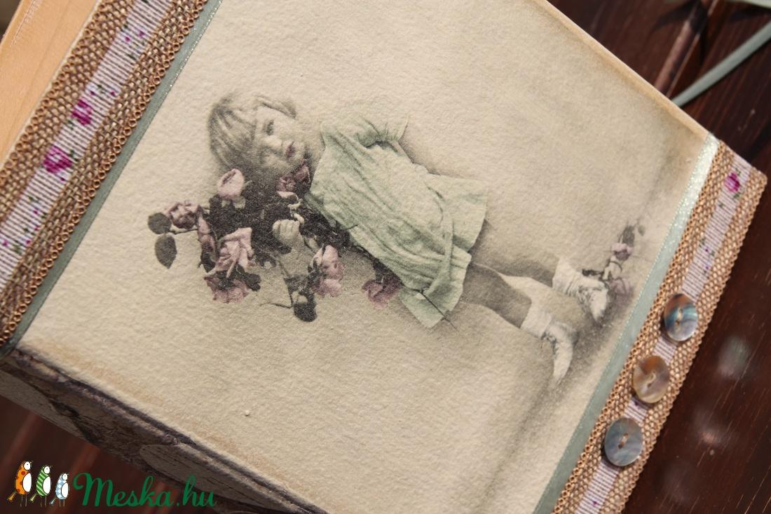 Kapcsos mappa, vintage kislánnyal.  :-) - otthon & lakás - papír írószer - mappa - Meska.hu