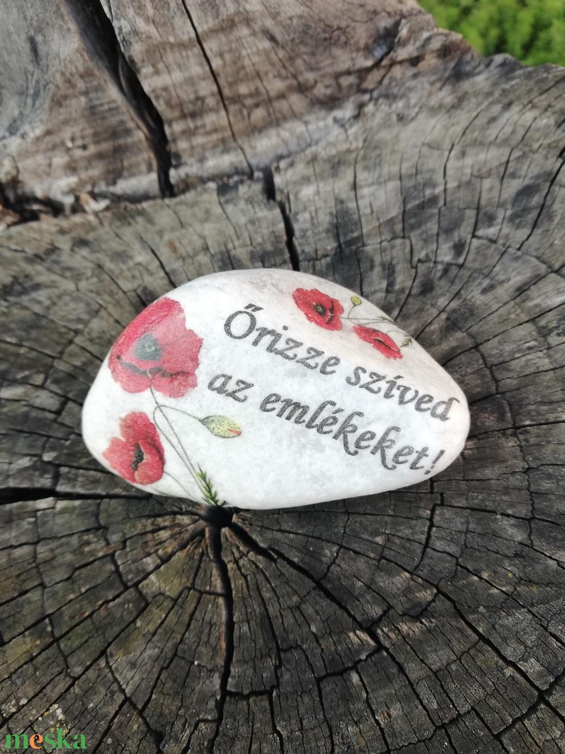Feliratos kő, személyes, pipacs mintával. :-) - Meska.hu