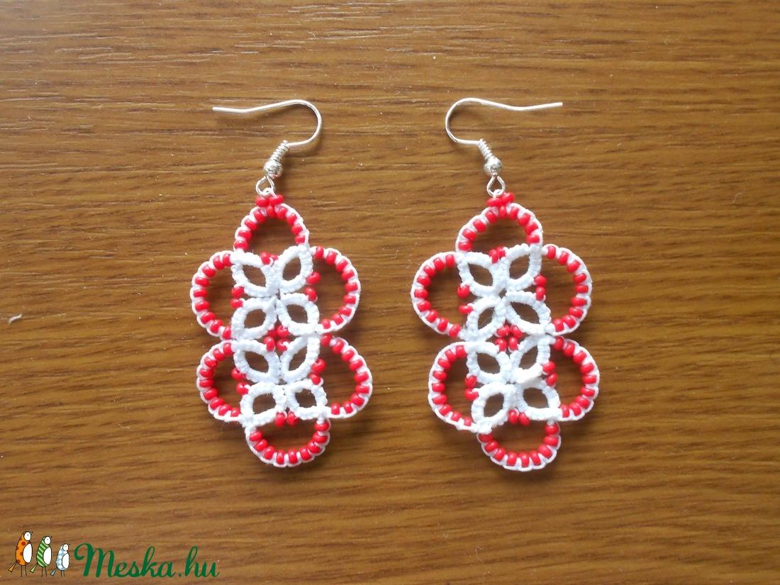 Piros-fehér pöttyös hajócsipke fülbevaló (retromami) - Meska.hu