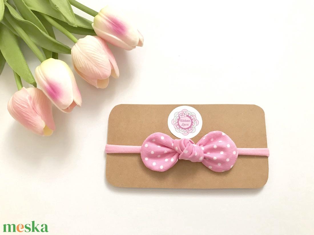 Rózsaszín alapon fehér pöttyös pamut masni puha rugalmas fejpánt, hajpánt - Meska.hu
