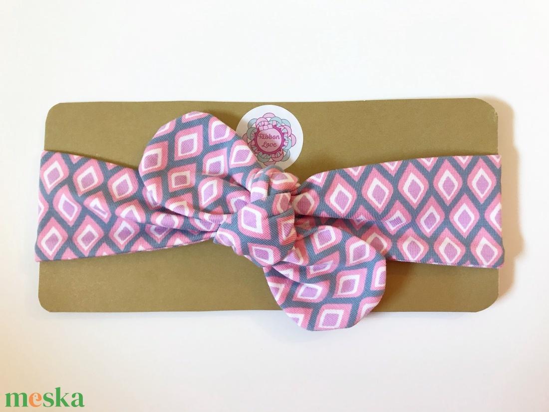 Rózsaszín, szürke, lila rombusz mintás rugalmas pamut fejpánt / hajpánt - ruha & divat - hajdísz & hajcsat - hajráf & hajpánt - Meska.hu