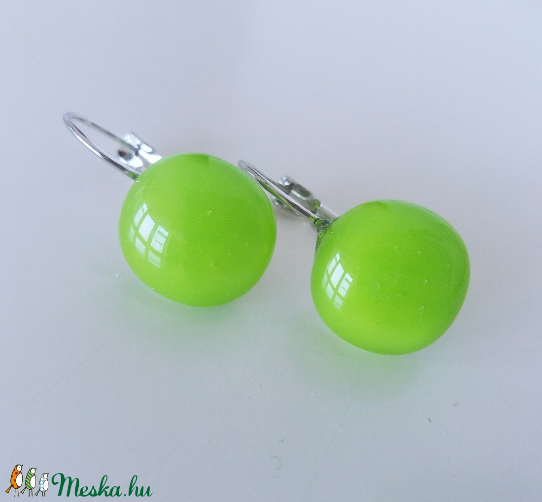 Lime zöld  franciakapcsos  üvegfülbevaló  (ritakata) - Meska.hu