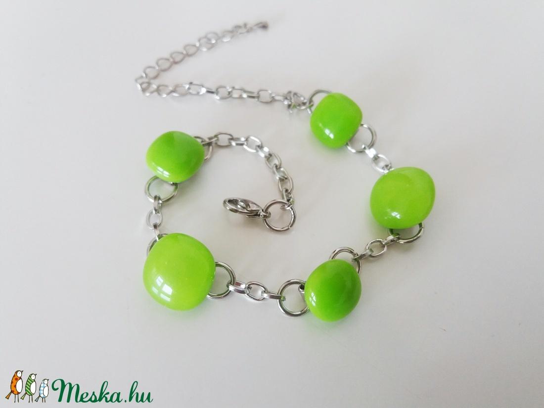 Lime zöld bogyók üveg karkötő (ritakata) - Meska.hu