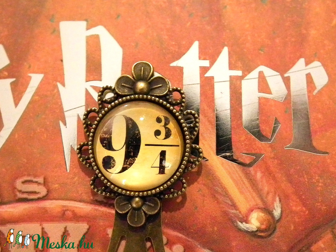 Harry Potter 9 és 3/4. vágány csiptetős könyvjelző - otthon & lakás - papír írószer - könyvjelző - Meska.hu