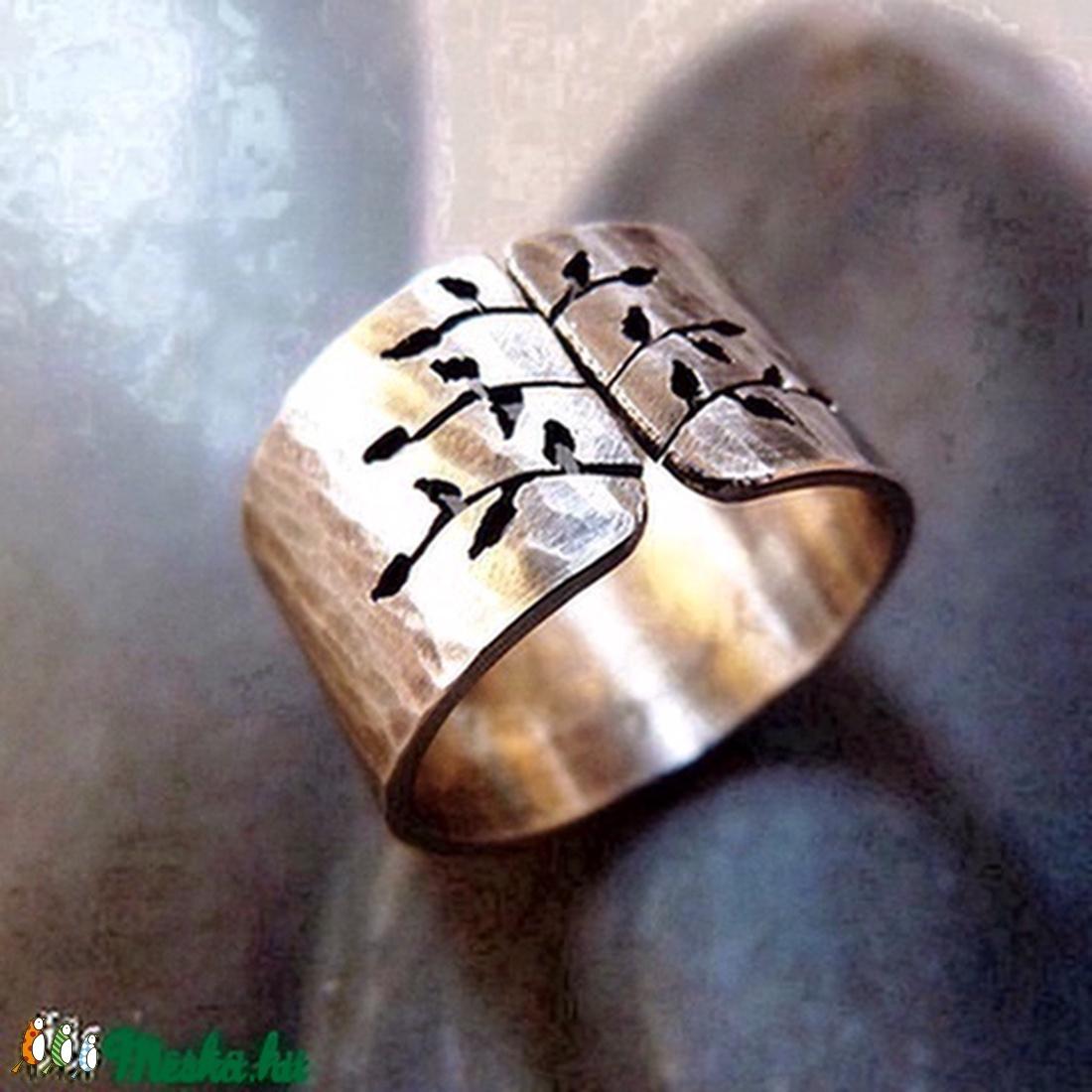 Rusztikus tavaszi fa ezüst gyűrű (széles, kalapált)  - ékszer - gyűrű - statement gyűrű - Meska.hu