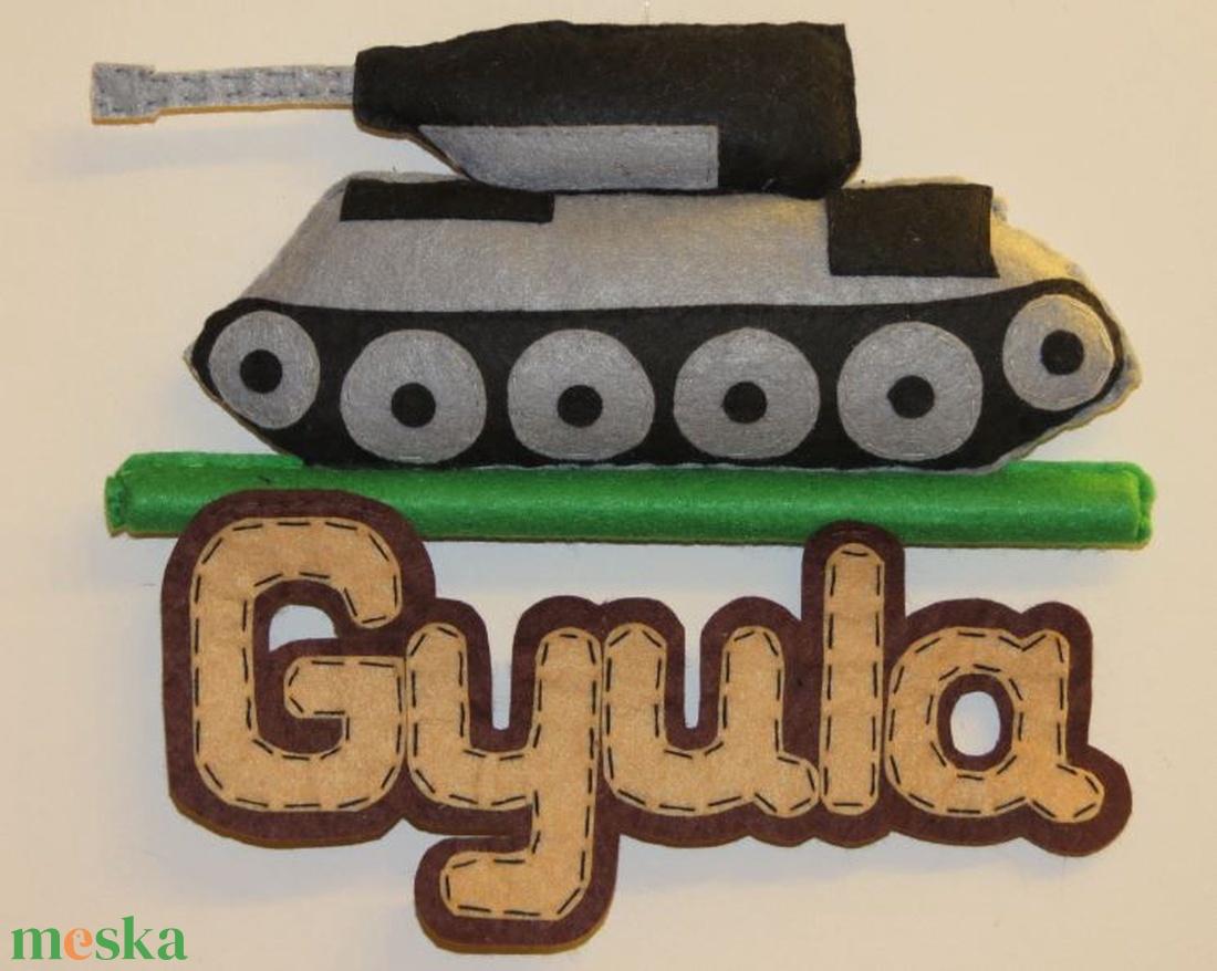 Tank névtábla - otthon & lakás - dekoráció - betű & név - Meska.hu