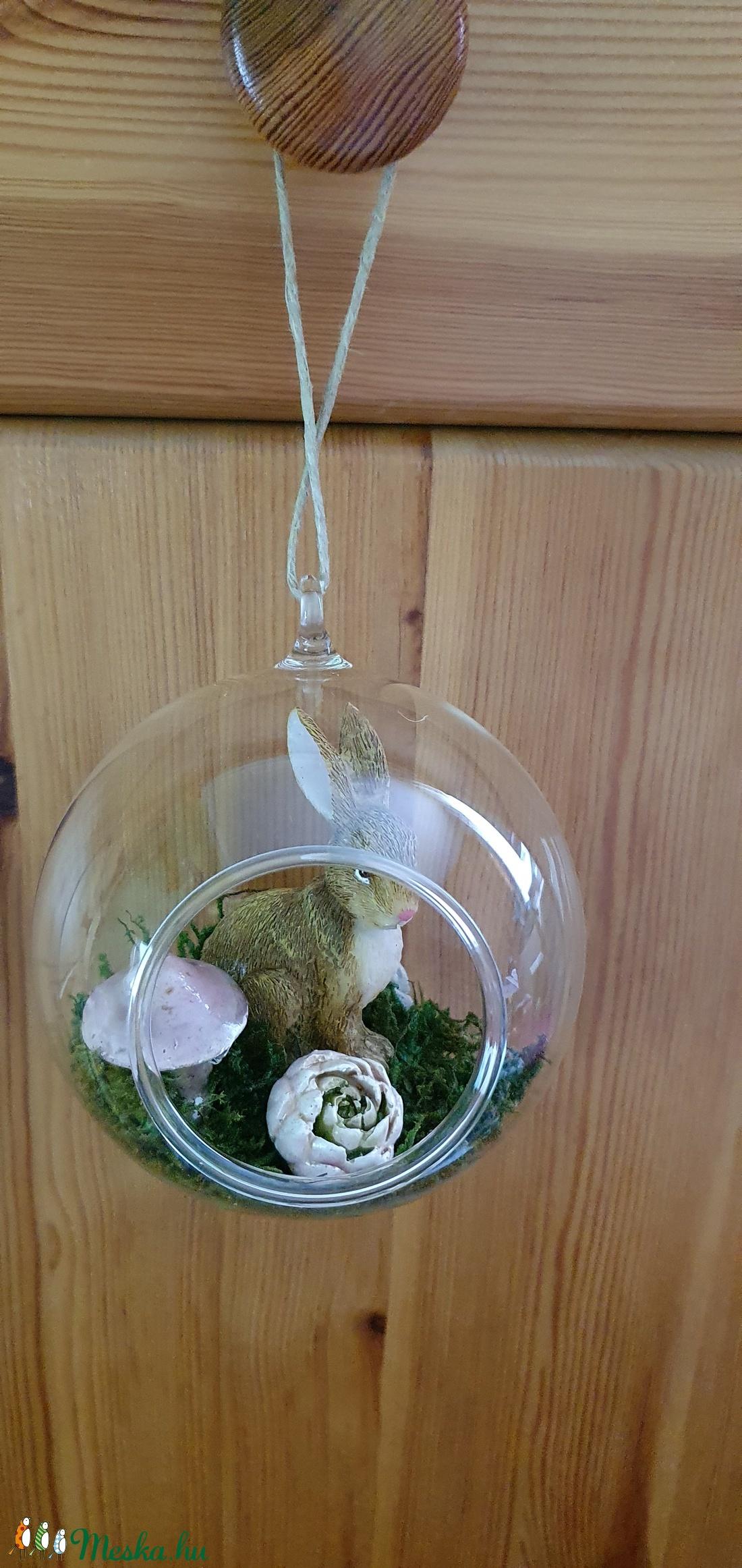 Akasztós üvegdísz-Nyúl virágokkal - otthon & lakás - dekoráció - dísztárgy - Meska.hu