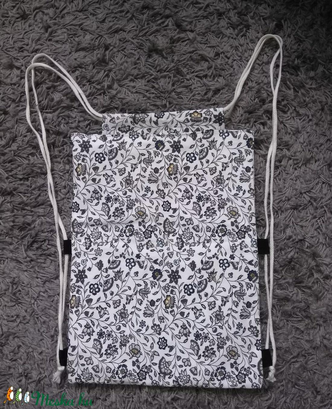 fekete/fehér virág mintás hátizsák (Somvarianya) - Meska.hu