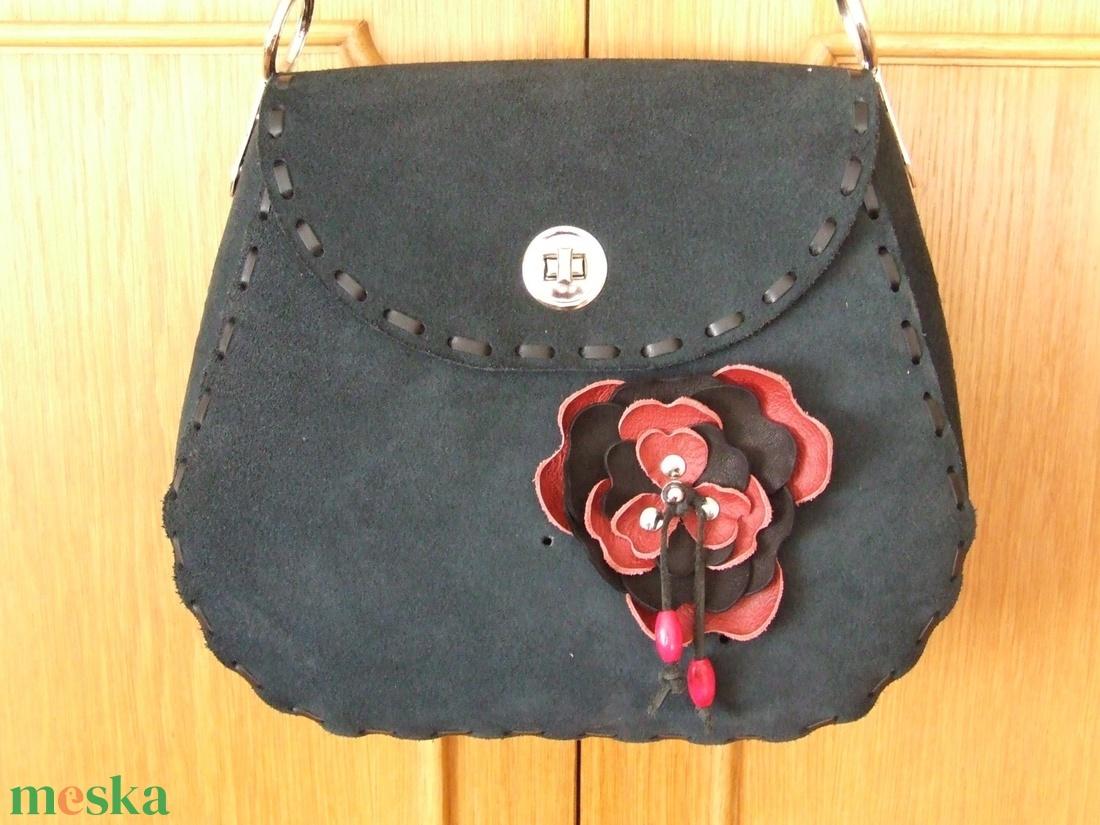 Az egyik ,,különleges táska,- kicsit másképpen - táska & tok - kézitáska & válltáska - válltáska - Meska.hu