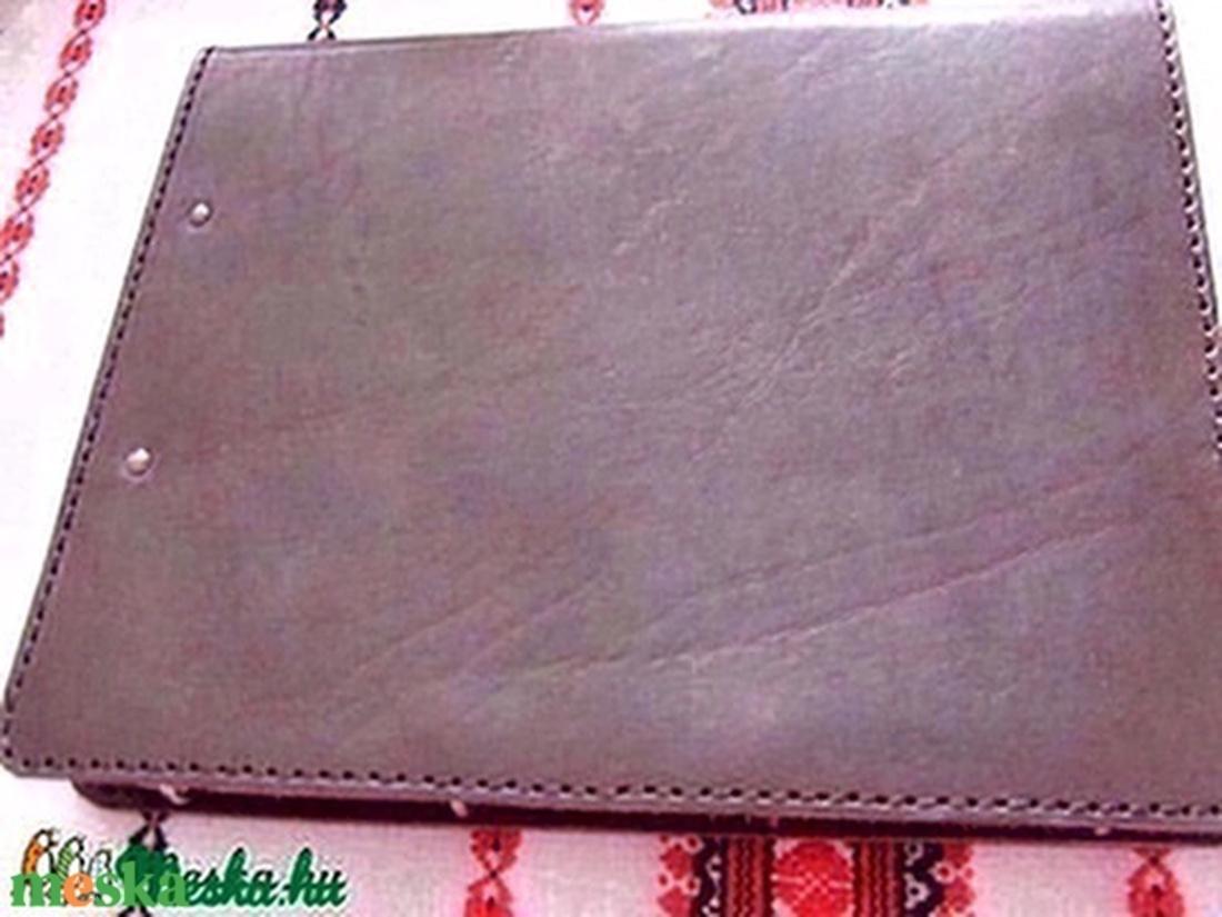 A/4-es bőrmappa másképpen - otthon & lakás - papír írószer - mappa - Meska.hu