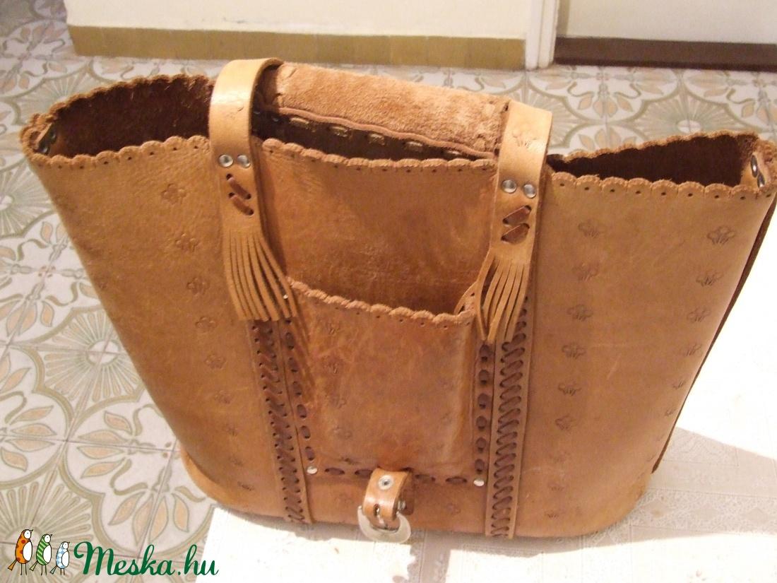 Díszes bőrfűzéses táska minden napi használatra-esetleg laptopnak is használható - táska & tok - laptop & tablettartó - laptoptáska - Meska.hu