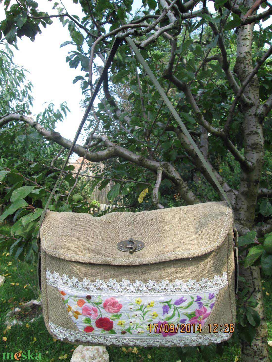 Egy újabb kalocsai hímzése betéttel díszített pakolos táska,laptop táska - táska & tok - kézitáska & válltáska - nagy pakolós táska - Meska.hu