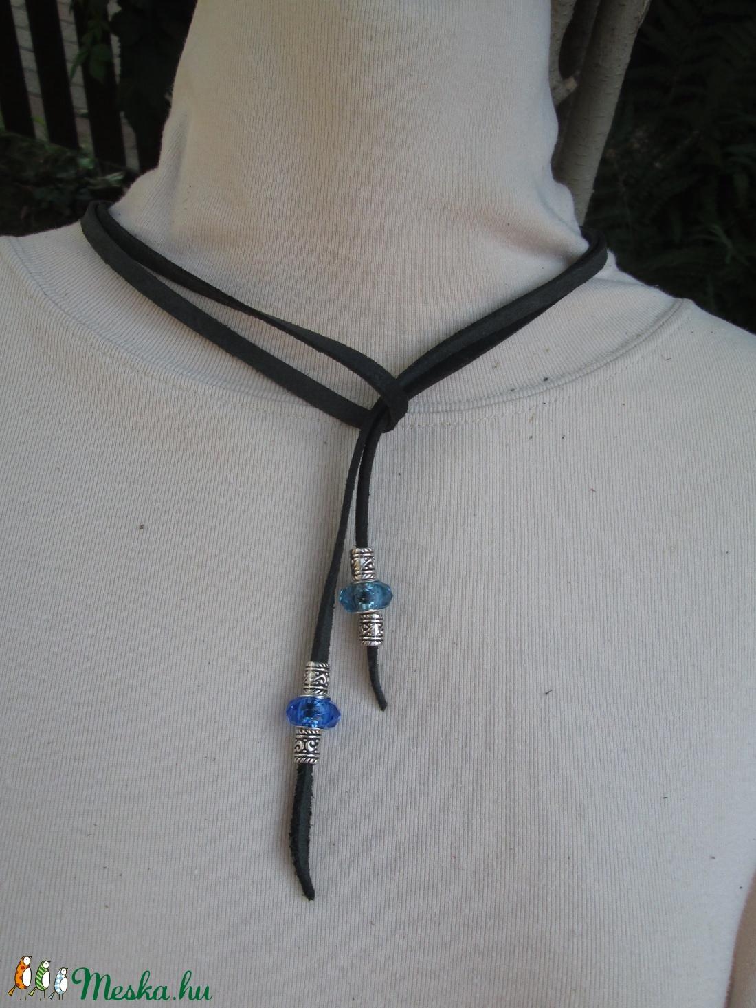 AKCIÓ!!!! Érdekes megoldású nyaklánc üveggyönggyel és fémgyönggyel - Meska.hu