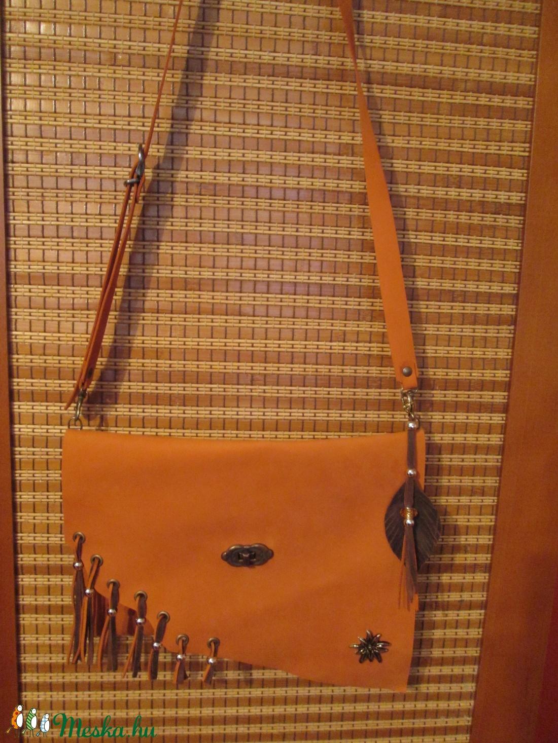 DUPLA AKCIÓ!!!!   A dizájnos borítéktáska másképpen - táska & tok - kézitáska & válltáska - válltáska - Meska.hu