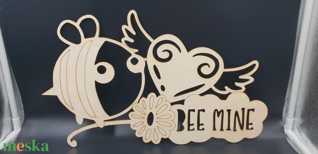 Méhecskés fából készült kézzel festett fali kép - otthon & lakás - dekoráció - kép & falikép - Meska.hu