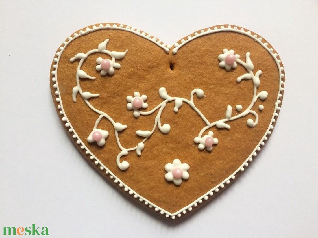 Mézeskalács figura, nagy szív - élelmiszer - édesség - falra akasztható dekor - Meska.hu