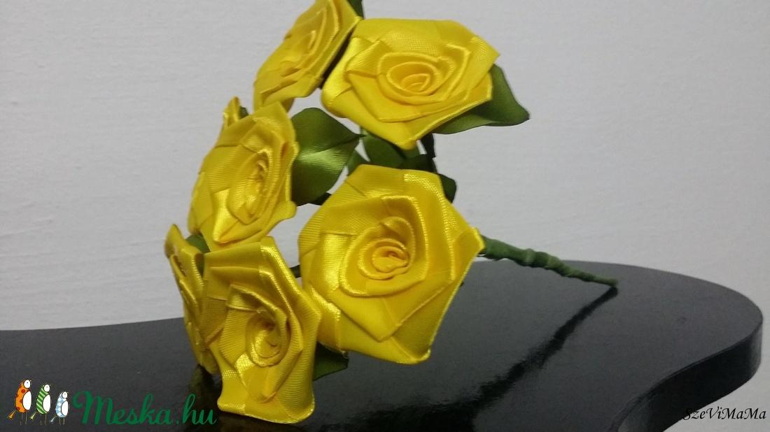 7 szálas sárga rózsacsokor (Szevimamarozsakertje) - Meska.hu