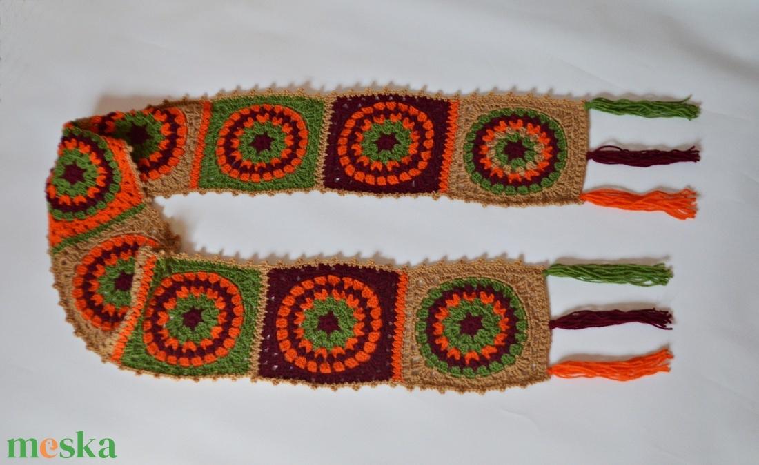 Színes, karikás Granny sál - horgolt sál Granny mintával, bordó - zöld - narancs - bézs színben. Jöhet az ősz és a tél! - ruha & divat - sál, sapka, kendő - sál - Meska.hu