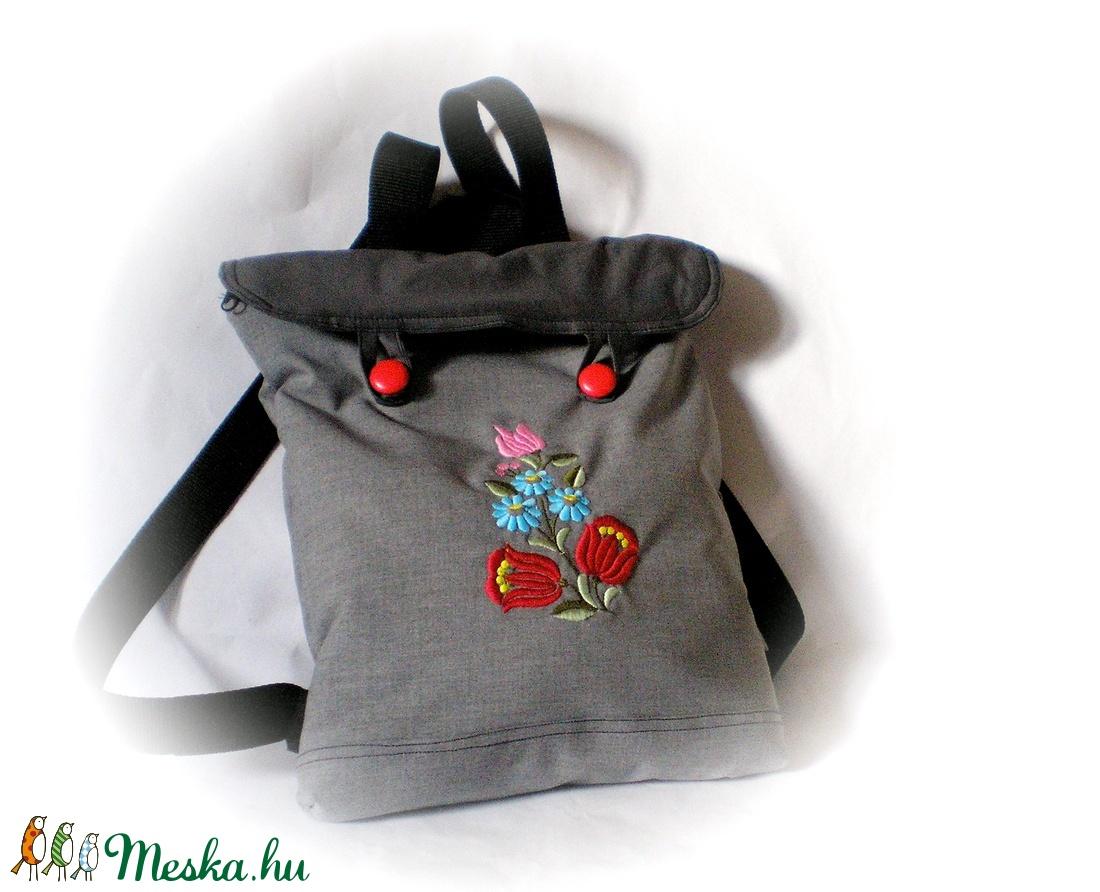 Hímzett virágos hátizsák (Tale) - Meska.hu 1582f5a677