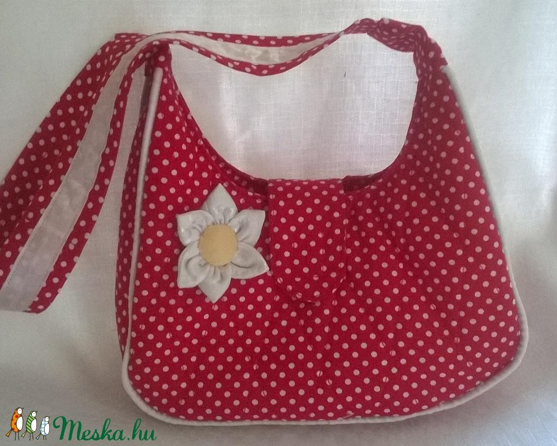 Pöttyös kislány táska virággal (Teafa) - Meska.hu 23d6446dc6