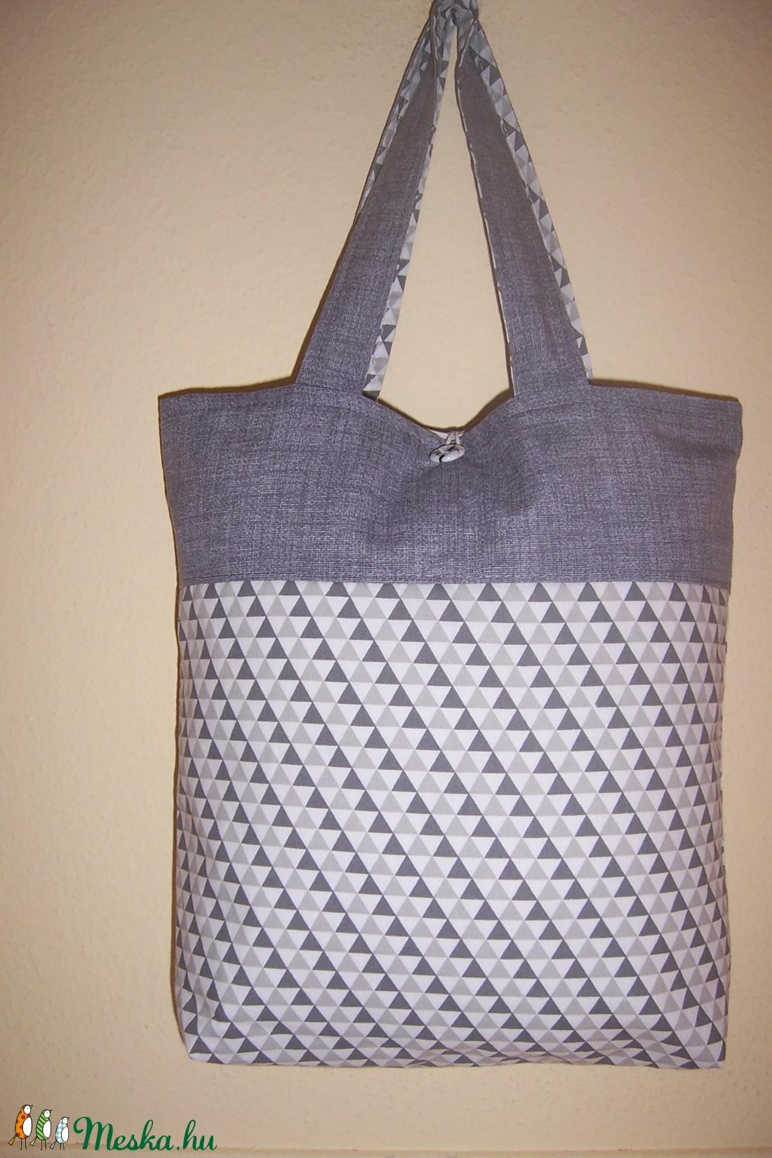 Szürke mintás bélelt táska normál füllel (textilcseppek) - Meska.hu 7bf577c8a4