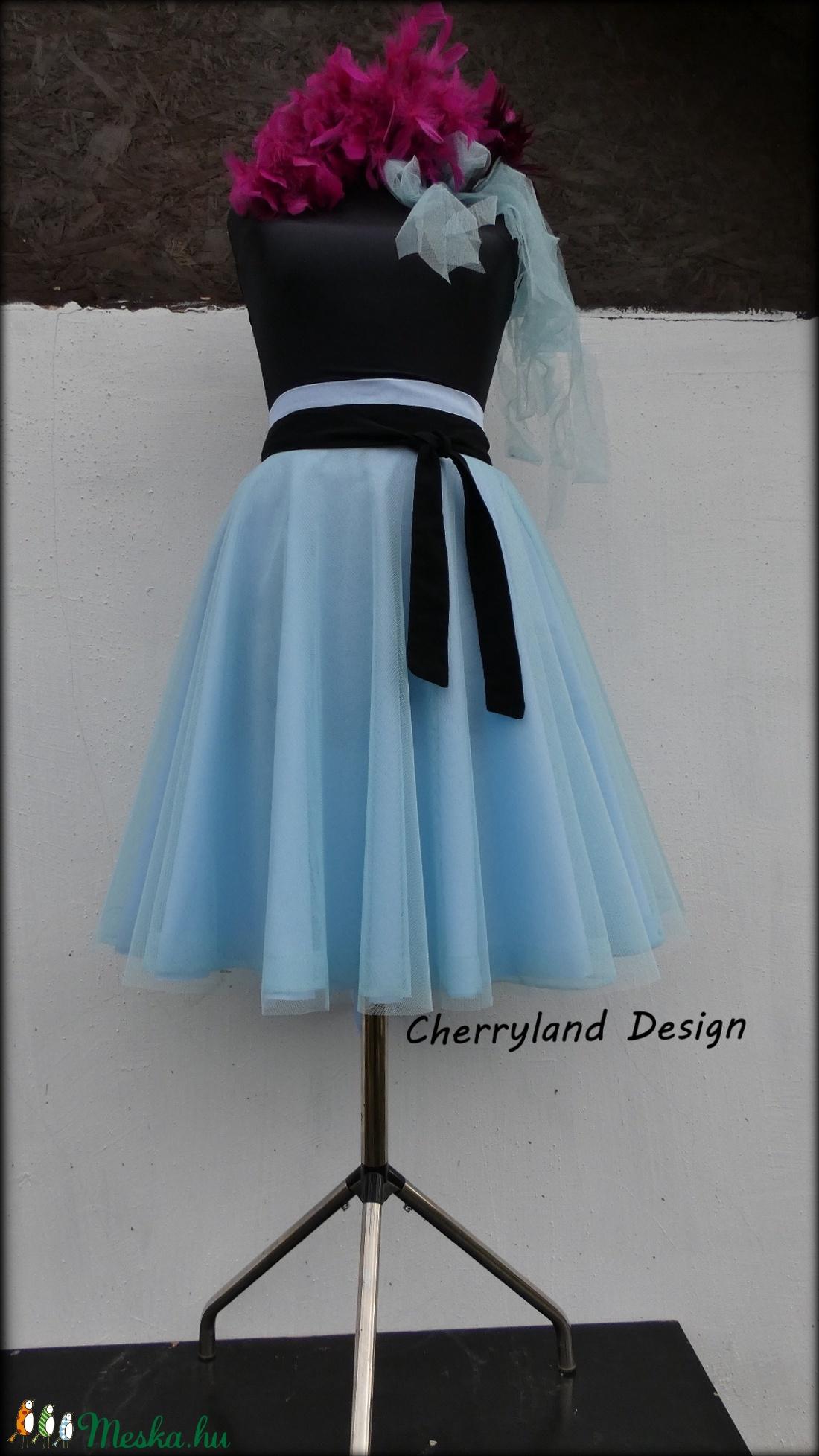 Cherryland Design Kék Szoknya˛/Tüll réteggel/ Blue tulle Skirt (textilmester) - Meska.hu