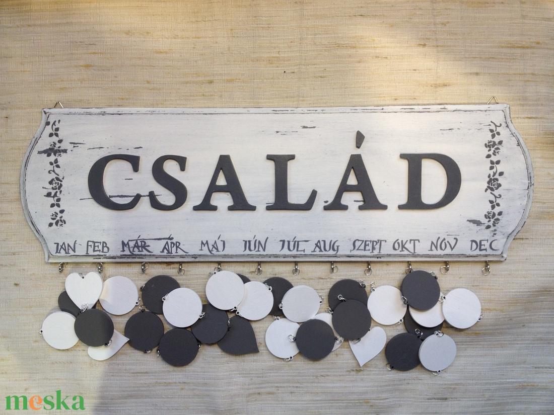 Vintage-születésnapos tábla, szürke-fehér (Tibandi) - Meska.hu