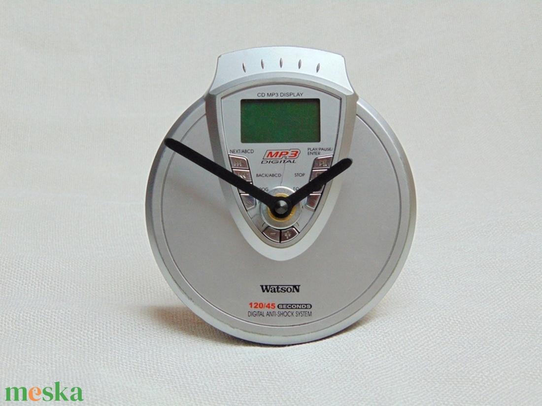 Retro Watson MP3 walkman CD lejátszó aszali vagy fali óra zenészeknek, DJ -nek, zene rajongóknak, férfiaknak - 1 - otthon & lakás - dekoráció - falióra & óra - Meska.hu