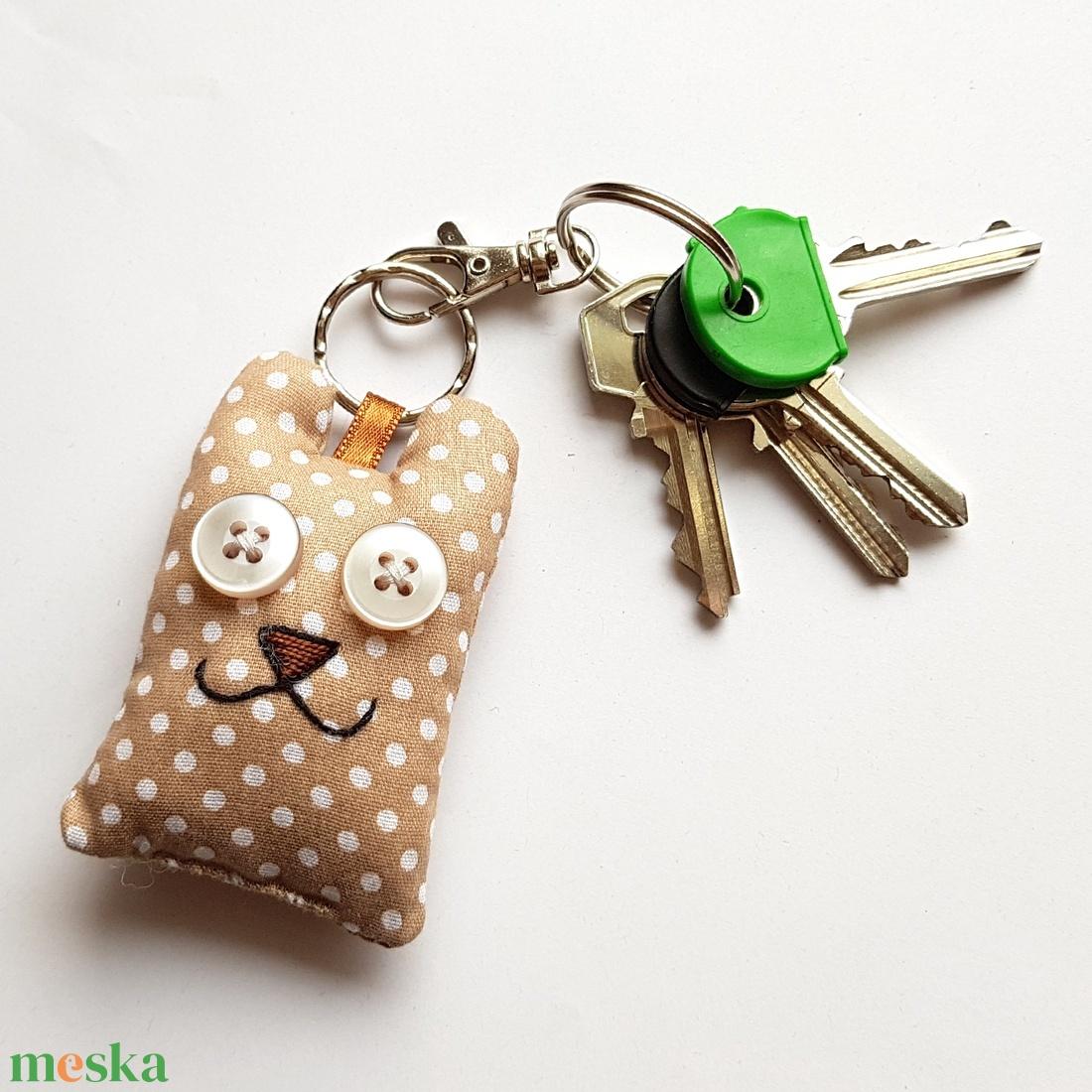 Pöttyös maci kulcstartó - táska & tok - kulcstartó & táskadísz - kulcstartó - Meska.hu