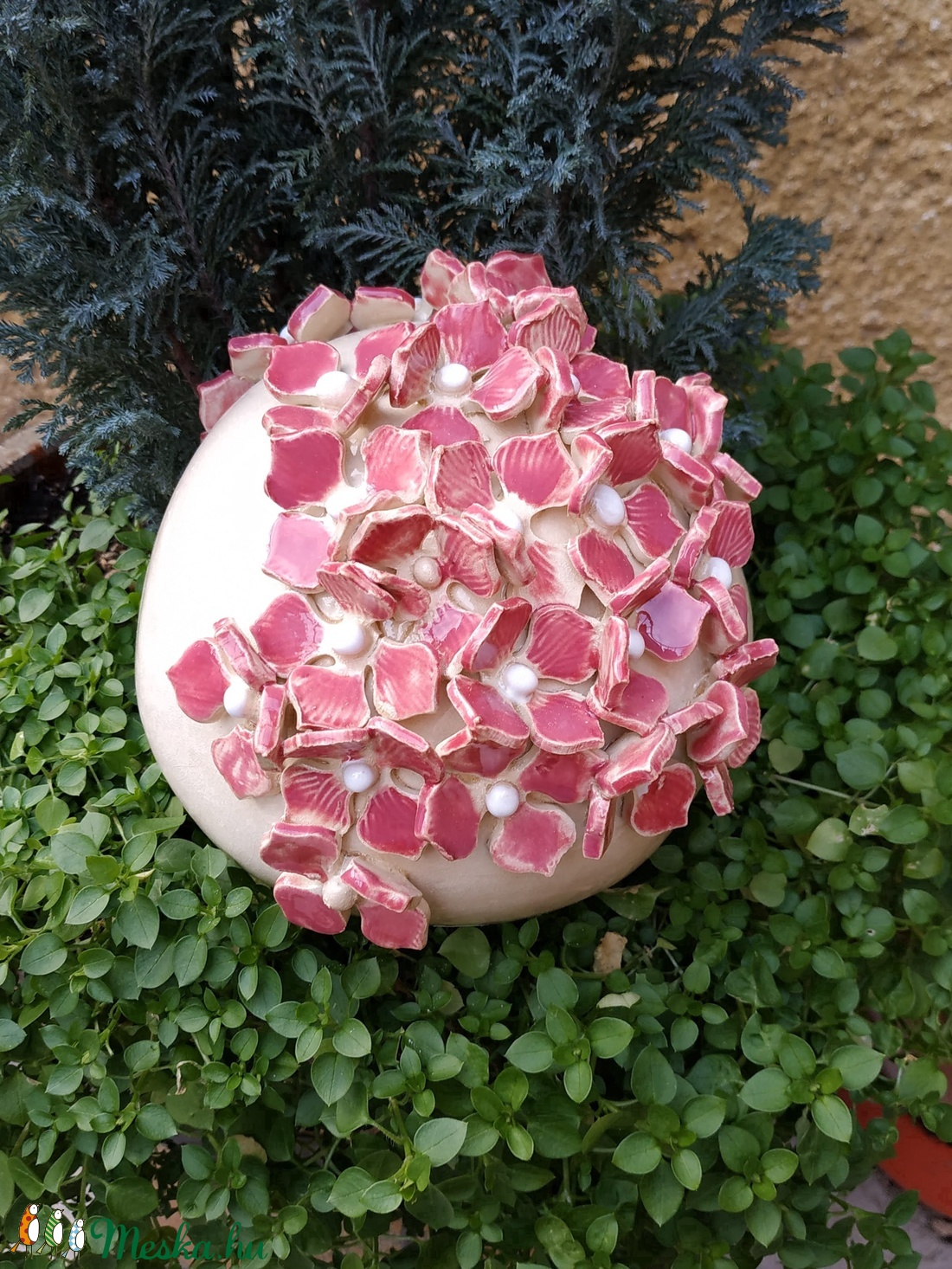 Kerámia kerti díszgömb virágokkal (valean) - Meska.hu