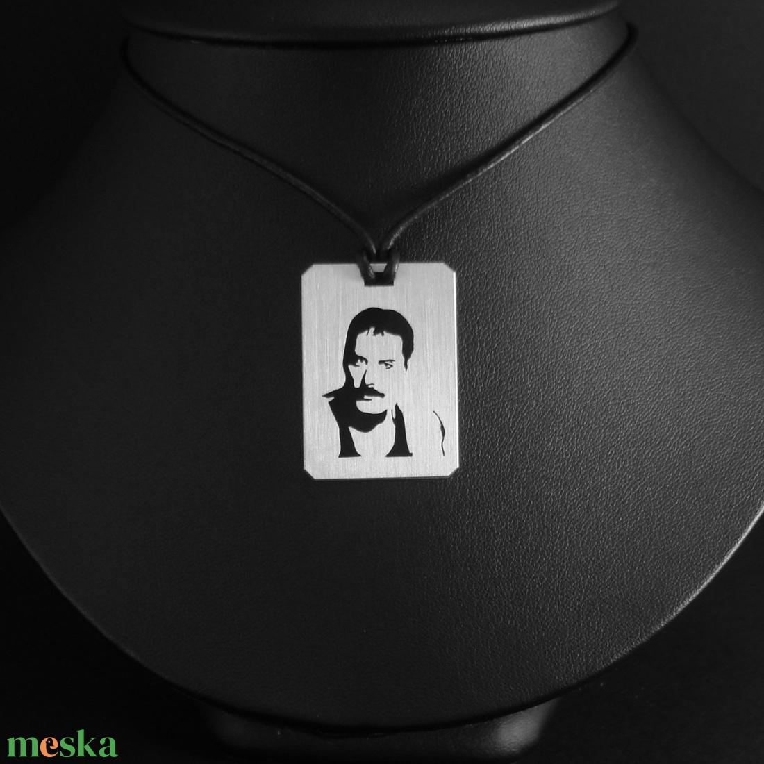 Fredie Mercury medál - ékszer - nyaklánc - medálos nyaklánc - Meska.hu
