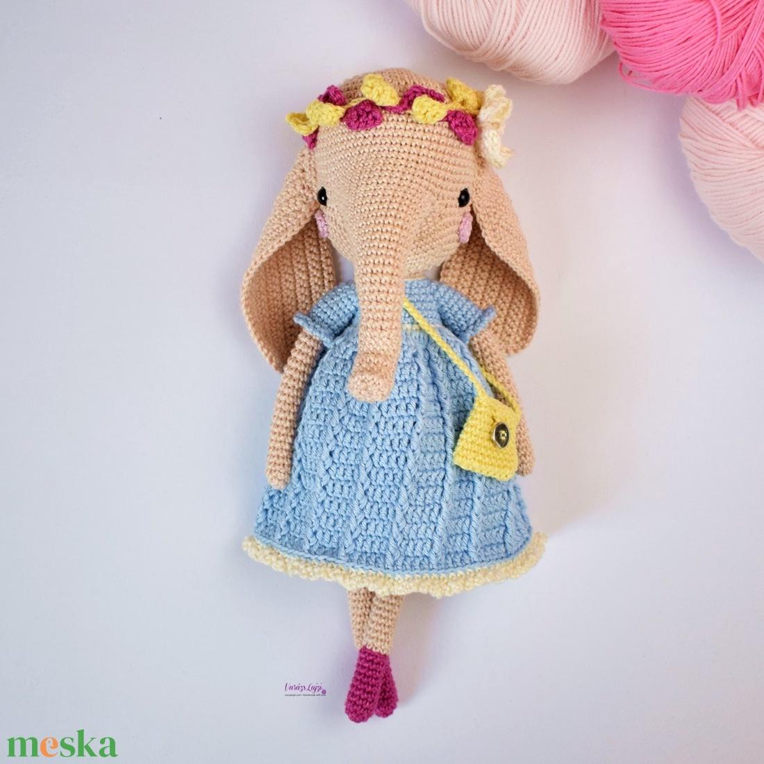 Horgolt elefánt kislány