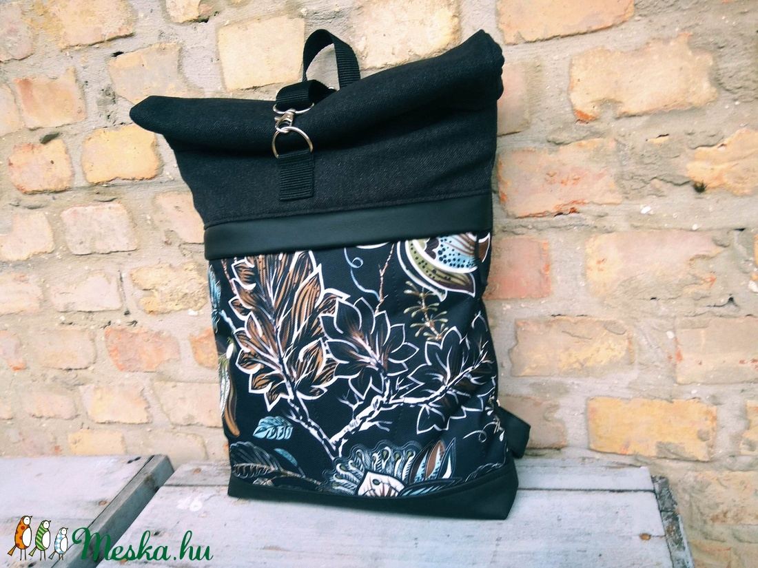 Roll top hátizsák virág mintás fekete  - táska & tok - hátizsák - roll top hátizsák - Meska.hu