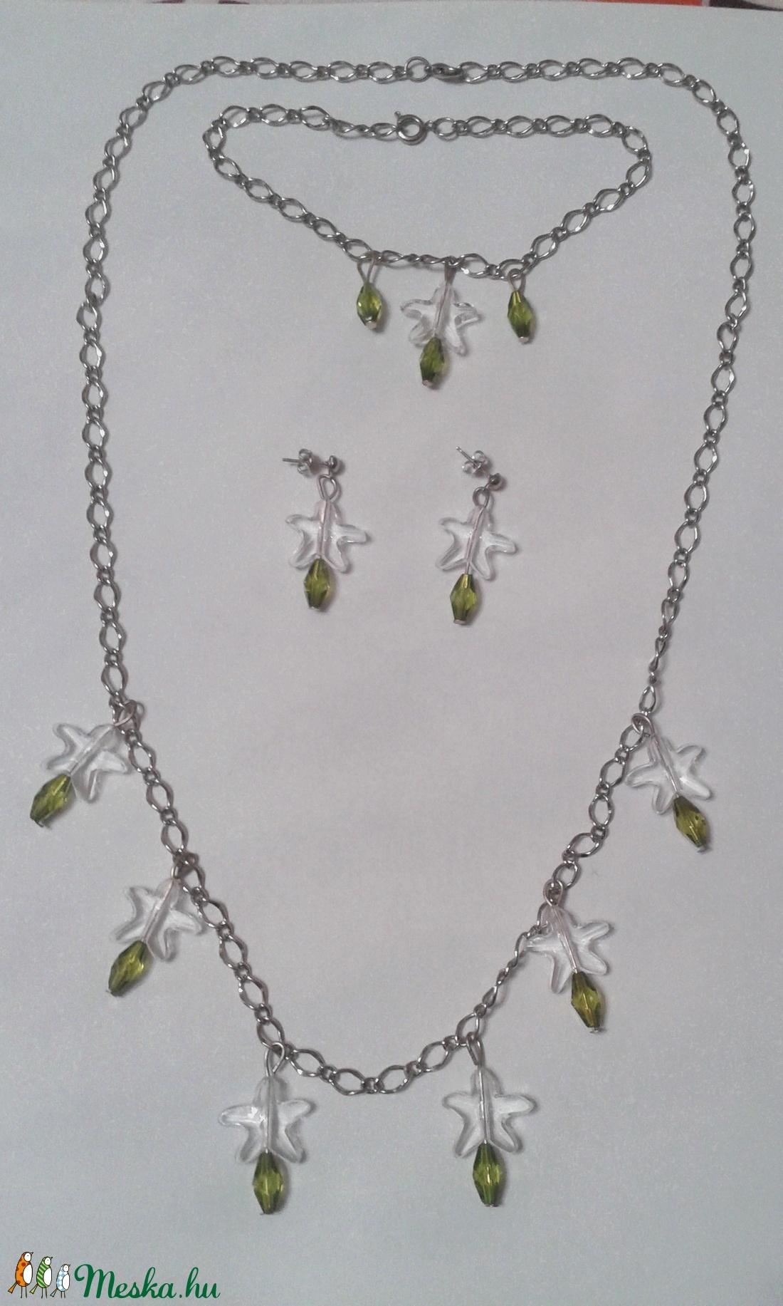 Zöld-átlátszó gyöngyös ezüst színű ékszer szett (vmelus79) - Meska.hu