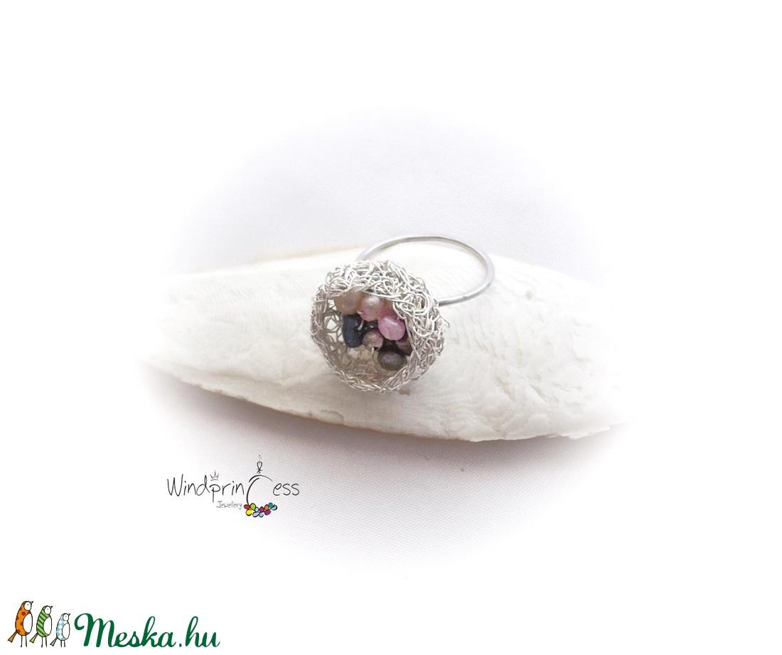 Gyöngyös kosárka , színes - ékszer - gyűrű - szoliter gyűrű - Meska.hu