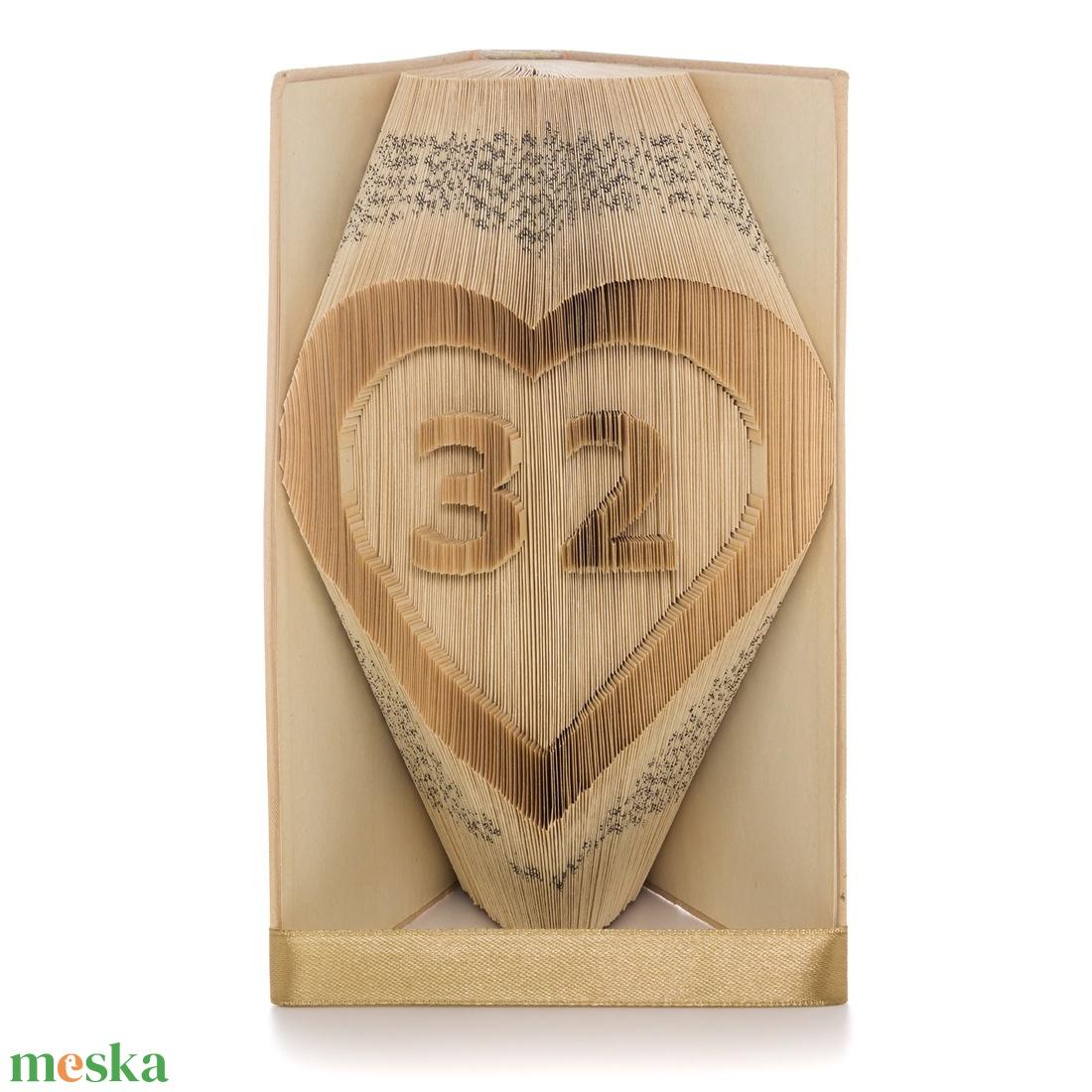 Szívben szám hajtogatott könyvszobor, Könyv origami, Születésnapi ajándék, Évfordulóra (Wolfabric) - Meska.hu