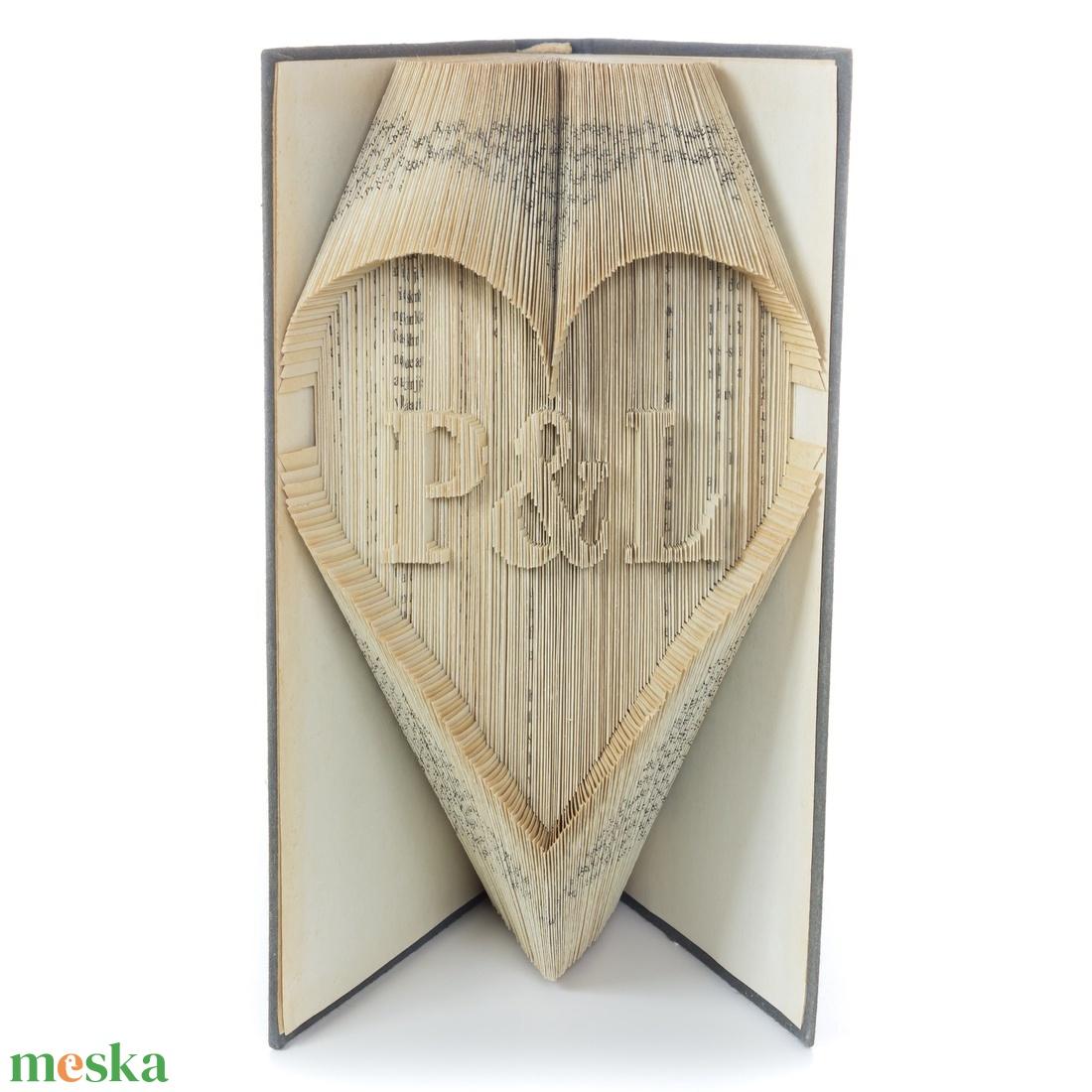 Prémium Nászajándék könyvszobor egyedi felirattal, Monogram, Kreatív Esküvőre, Lakodalomba, E903 (Wolfabric) - Meska.hu