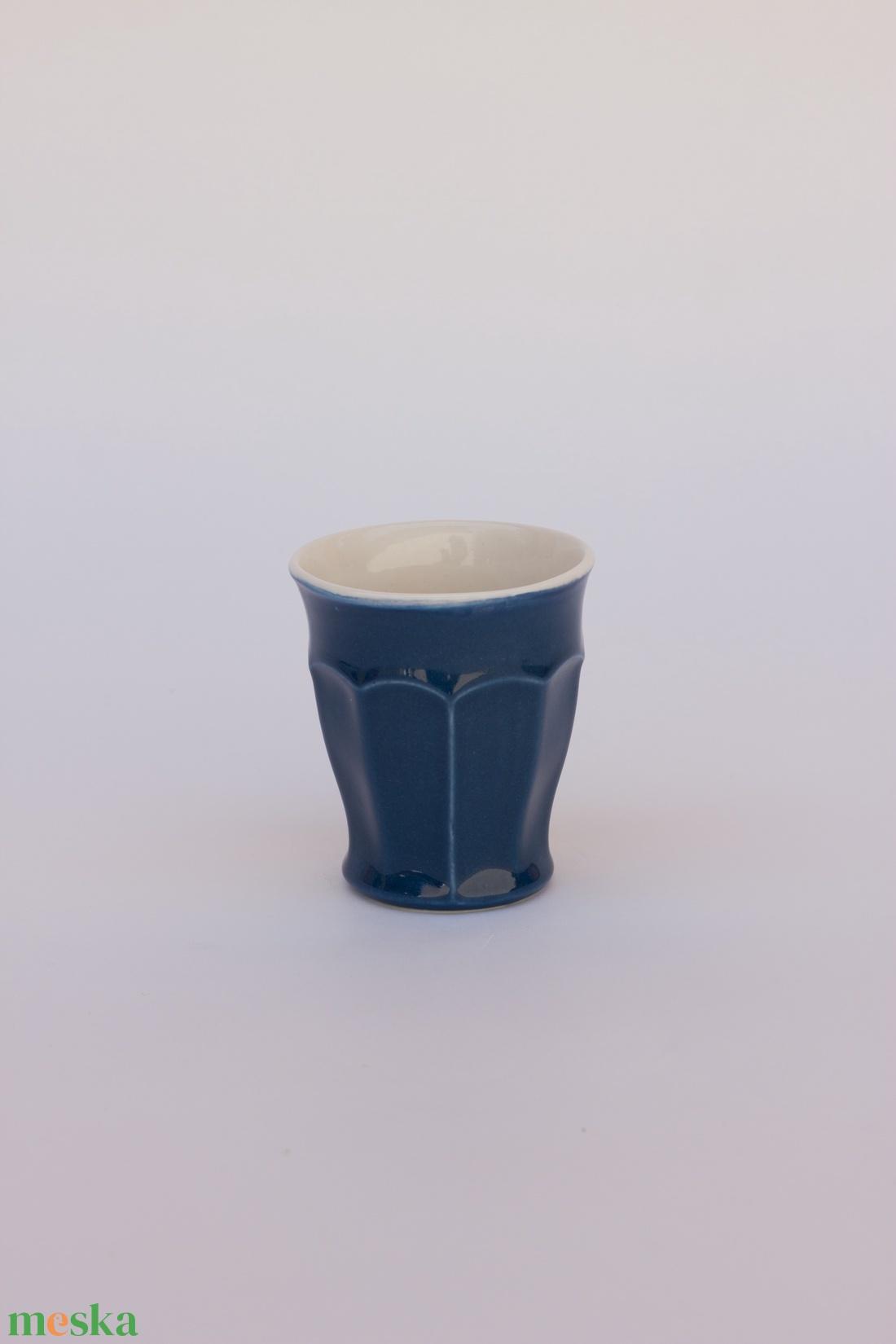yutta 1 dl-es fületlen félporcelán kávés csésze (yuttadesign) - Meska.hu