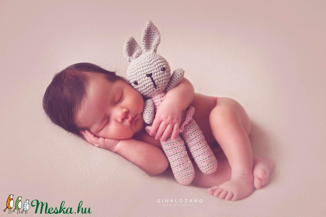 Horgolt Amigurumi Nyuszi : Nyuszi figura amigurumi nyuszi zebubaby meska hu