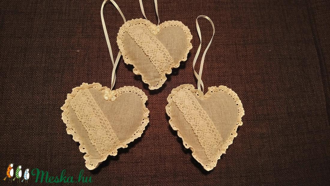 Levendula zsákocska szív alakú (zityike) - Meska.hu