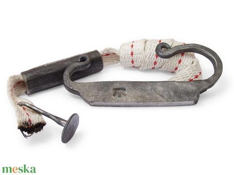 Kovácsolt acél tűzcsiholó készlet kovakővel, gyújtóssal és vászonzacskóval, [Eg_02a] - Meska.hu