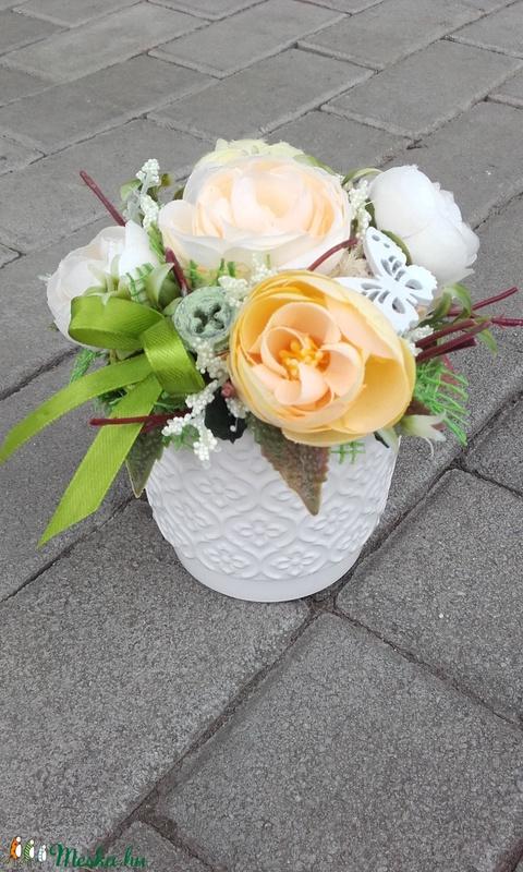 Tavaszi vidám- virágos tavaszi asztaldísz, dísz.dekoráció ANYÁK NAPJA - otthon & lakás - dekoráció - ajtódísz & kopogtató - Meska.hu