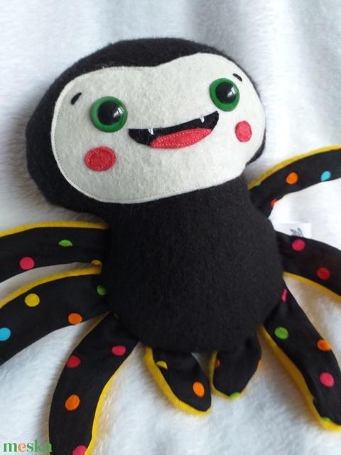 Mókás pókocska textilből (pöttyös lábú) (agotamama) - Meska.hu