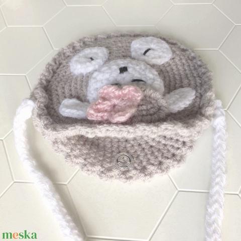 Egyedi horgolt bárányka kistáska kislánynak - fehér pánttal. Patenttel zárható - Meska.hu