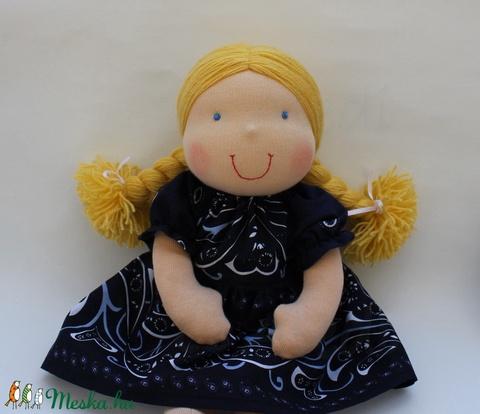 Waldorf baba kislány fejkendővel (Aledi) - Meska.hu