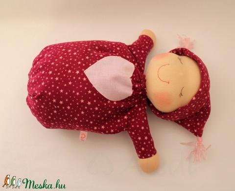 Alvó bébi Waldorf baba - Csillagos (Aledi) - Meska.hu