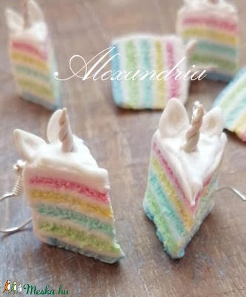 Unikornis tortaszelet - ékszer - fülbevaló - lógó fülbevaló - Meska.hu